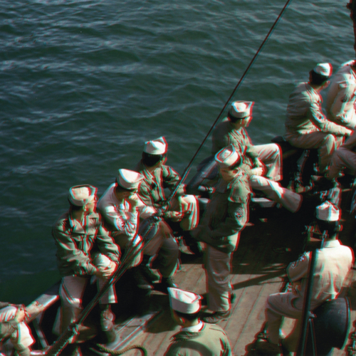 Anaglyph photo of soldiers on a boat